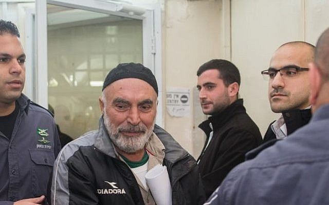 Ezra Nawi (center) seen at the Jerusalem Magistrate's Court, January 24, 2016. (Yonatan Sindel/Flash90)