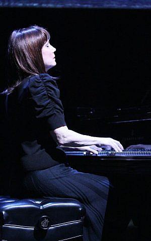 Mona Golabek in 'The Pianist of Willesden Lane' (courtesy)