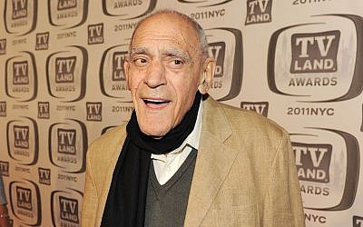 Abe Vigoda attending the TV Land Awards in New York City, April 10, 2011. (Larry Busacca/Getty Images)