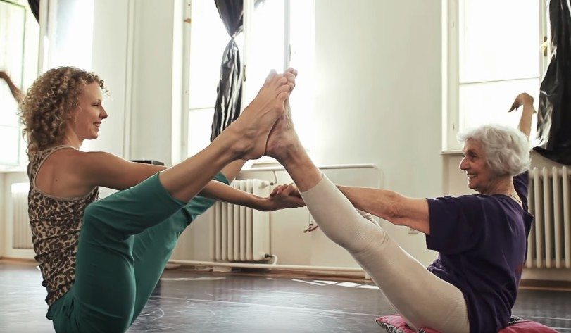"Holocaust survivor Eva Fahidi (right) and dancer Emese Cuhorka practice for the show ""Sea Lavender or The Euphoria of Being"" (YouTube screen capture)"