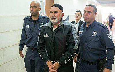 Ezra Nawi at the Jerusalem District Court, January 21, 2016. (Yonatan Sindel/Flash90)