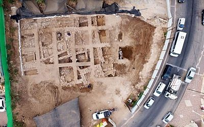 An aerial view of the fortress found in Nahariya. (Guy Fittousi, Israel Antiquities Authority)