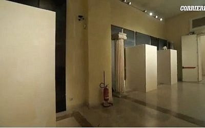 Statues of naked women at the Capitoline Museums in Rome are placed in boxes so as not to offend Iranian diplomats, ahead of Iranian President Hassan Rouhani's visit there on January 25 2016. (Screen capture Corriere Della Sera)