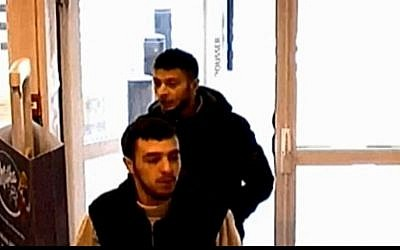 Salah Abdeslam, suspected of involvement in the November 13, 2015. terror attacks in Paris, with his friend Hamza Attou seen entering a convenience store at 9:45 a.m. on 14 November near the France-Belgium border.  (Screen capture: BFM TV)
