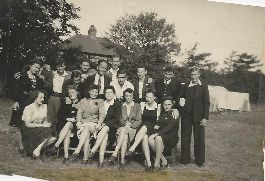 The group image of the children of Willesden Lane is taken around 1944. Lisa Jura is standing on the left, holding a cigarette. (courtesy)