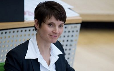 Chiarwoman of German populist party Alternative for Germany (AfD) Frauke Petry is pictured on February 3, 2016 at the Saxony state parliament in Dresden. (AFP / dpa / Arno Burgi)