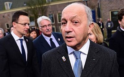 France's Foreign Minister Laurent Fabius arrives to take part in an EU Council foreign ministers meeting in Amsterdam, on February 5, 2016.  (AFP / EMMANUEL DUNAND)