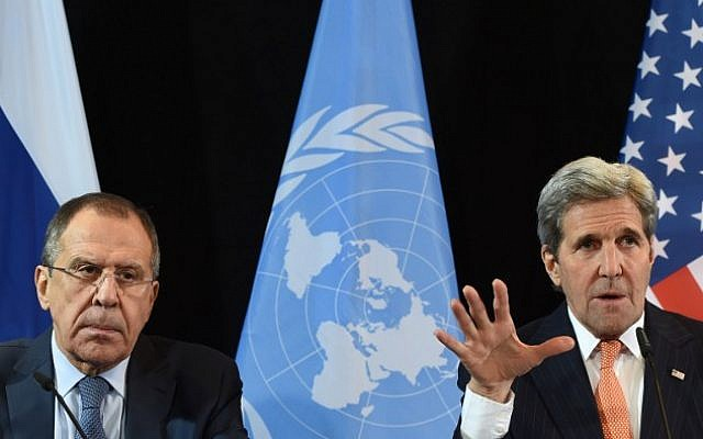 US Secretary of States John Kerry, right, gestures beside of Russian Foreign Minister Sergei Lavrov during a news conference after the International Syria Support Group meeting in Munich on February 12, 2016. (AFP / Christof STACHE)