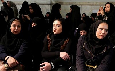Iranian women in Teheran attend a meeting of Iran's main conservative parties ahead of parliamentary elections, February 23, 2016. (AFP/Atta Kenare)