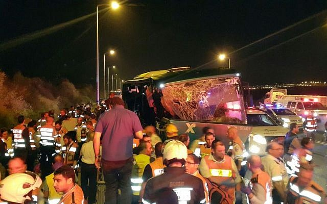 Scene of the bus accident on the Route 1 highway near the Anava Intersection on February 14, 2016. (Courtesy United Hatzalah)
