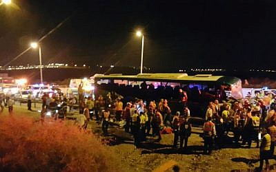 Scene of the bus accident on the Route 1 highway near the Anava intersection on February 14, 2016. (United Hatzalah)