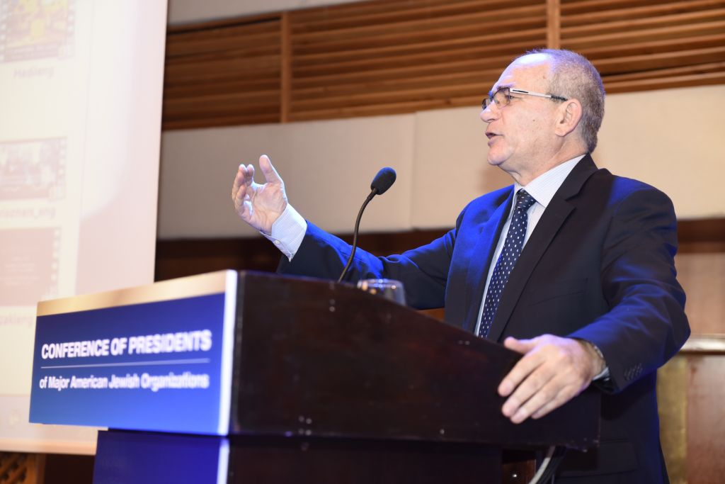 Brig. Gen. (res.) Yossi Kuperwaser, Project Director, Regional Middle East Developments at the Jerusalem Center for Public Affairs, speaks at the Conference of Presidents meet-up in Jerusalem, February 15, 2016 (Tamir Hayoun)