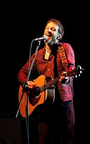 Mercury Rev vocalist Jonathan Donahue in Tel Aviv in 2010 (Random/CC BY-SA 3.0)