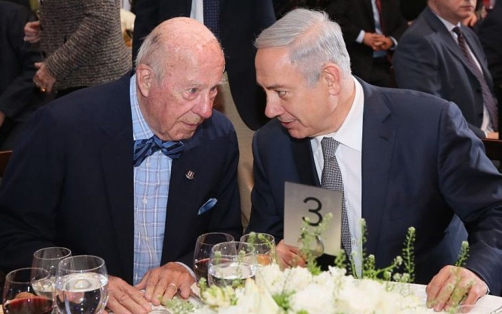 George Shultz and Benjamin Netanyahu at an Israel Democracy Institute dinner in Jerusalem, February 14, 2016 (Oded Anteman, IDI)