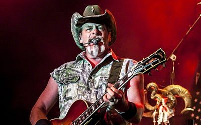 Ted Nugent (CC BY-SA, Larry Philpot of www.soundstagephotography.com via Wikimedia Commons)