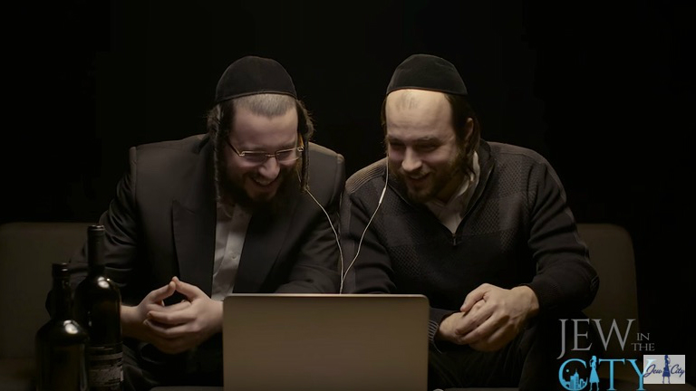 Hasidim Watch Fiddler On The Roof For First Time The