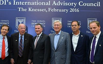 Knesset Speaker Yuli Edelstein (third from left) with (from left) opposition leader Isaac Herzog (Labor), IAC Chairman George Shultz, IDI International Board Chair Bernard Marcus, IDI Israeli Board Chair Amir Elstein and IDI President Yohanan Plesner, at the Israel Democracy Institute's advisory council meeting, February 14, 2016. (Yossi Zellinger)