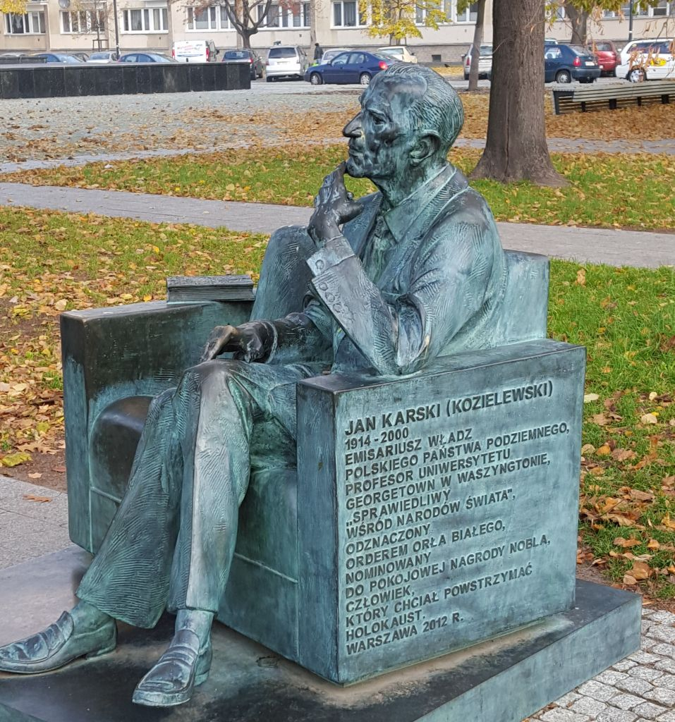 Statue of Jan Karski next to the POLIN museum of Jewish history in Warsaw, Poland (Matt Lebovic/The Times of Israel)