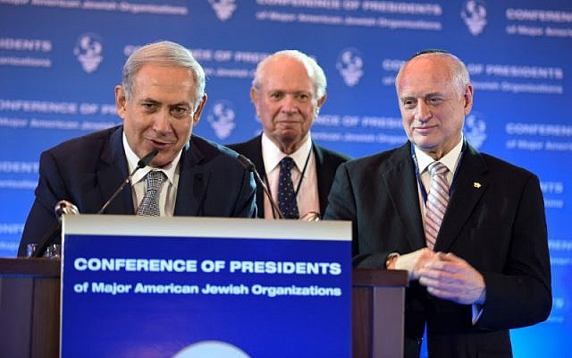 Prime Minister Netanyahu with the Conference of Presidents of Major American Jewish Organizations Chairman Stephen M. Greenberg (center) and Executive Vice Chairman/CEO Malcolm Hoenlein at the opening of the organization's 42nd Leadership Mission, February 14, 2016. (Avi Hayoun)