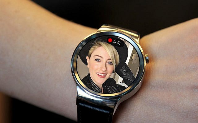 A Glide video chat on an Android Wear watch (Courtesy)