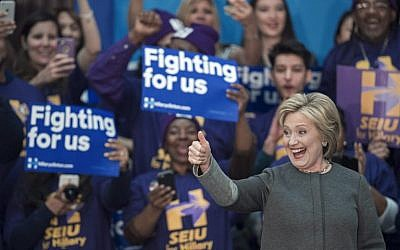 US Democratic presidential hopeful Hillary Clinton addresses a campaign rally February 29, 2016, at George Mason University in Fairfax, Virginia (AFP/PAUL J. RICHARDS)