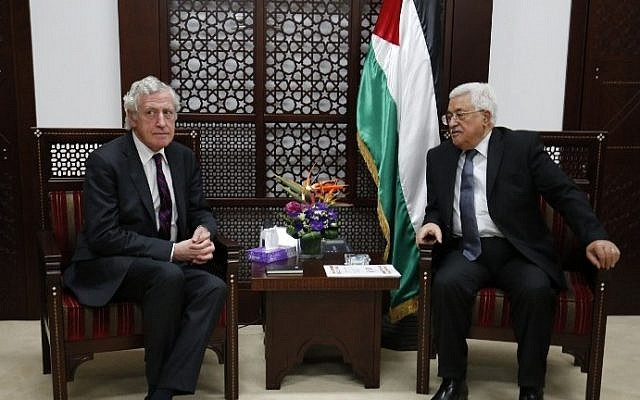 France's Middle East envoy Pierre Vimont meets with Palestinian Authority President Mahmoud Abbas on March 15, 2016, in the West Bank city of Ramallah. (AFP/Abbas Momani)