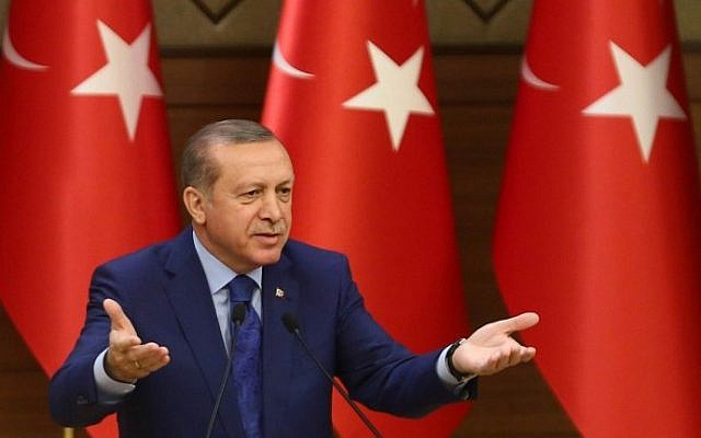 Turkish President Recep Tayyip Erdogan gestures as he delivers a speech during the mukhtars (local town government heads) meeting at the Presidential Complex in Ankara on March 16, 2016. (AFP/Adem Altan)