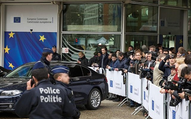 Members of the press gathering at the headquarters of the European Commission on March 23, 2016 in Brussels, a day after blasts hit the Belgian capital. (AFP / BELGA / NICOLAS MAETERLINCK)