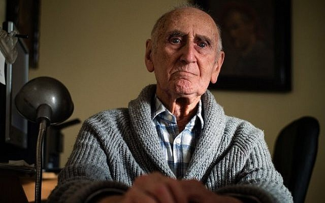 Aleksandar Lebl, 93, one of the very few of Serbia's Holocaust survivors, poses in Belgrade during an interview with AFP, March 14, 2016. (AFP/ANDREJ ISAKOVIC)