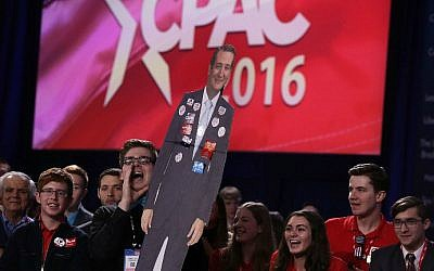 A supporter holds up a cardboard cutout of Republican presidential candidate Sen. Ted Cruz (R-Texas) during CPAC 2016, March 3, 2016 in National Harbor, Maryland. (Alex Wong/Getty Images/AFP)