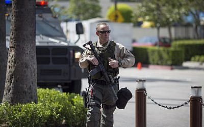 A Los Angeles County Sheriffs deputy patrols Union Station train hub as security is heightened in reaction to bomb attacks in Brussels, Belgium this morning on March 22, 2016 in Los Angeles, California. (David McNew/Getty Images/AFP)