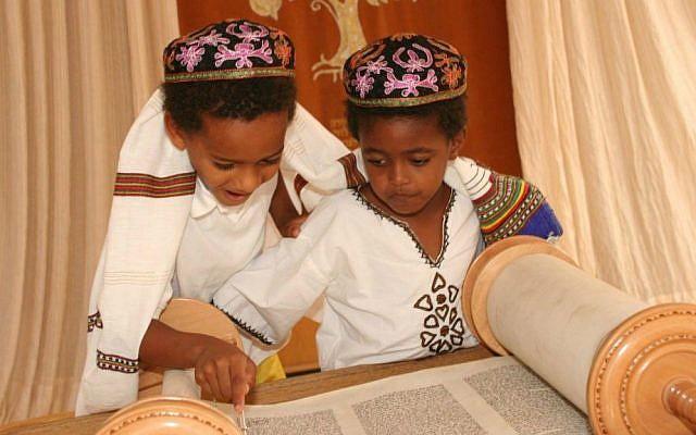 Adar (age 7) and Zamir (age 4) Abramowitz at Kibbutz Ketura, Israel. (Ruth Rubenstein)