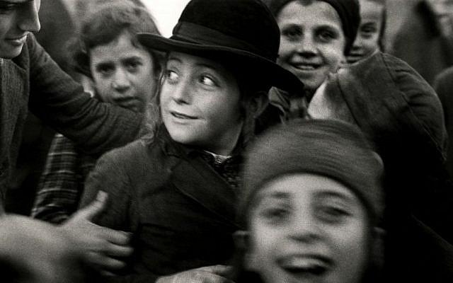 Illustrative: Photograph by Roman Vishniac of Jewish schoolchildren in Mukacevo, Eastern Europe, in the 1930s. (© Mara Vishniac Kohn, courtesy International Center of Photography)