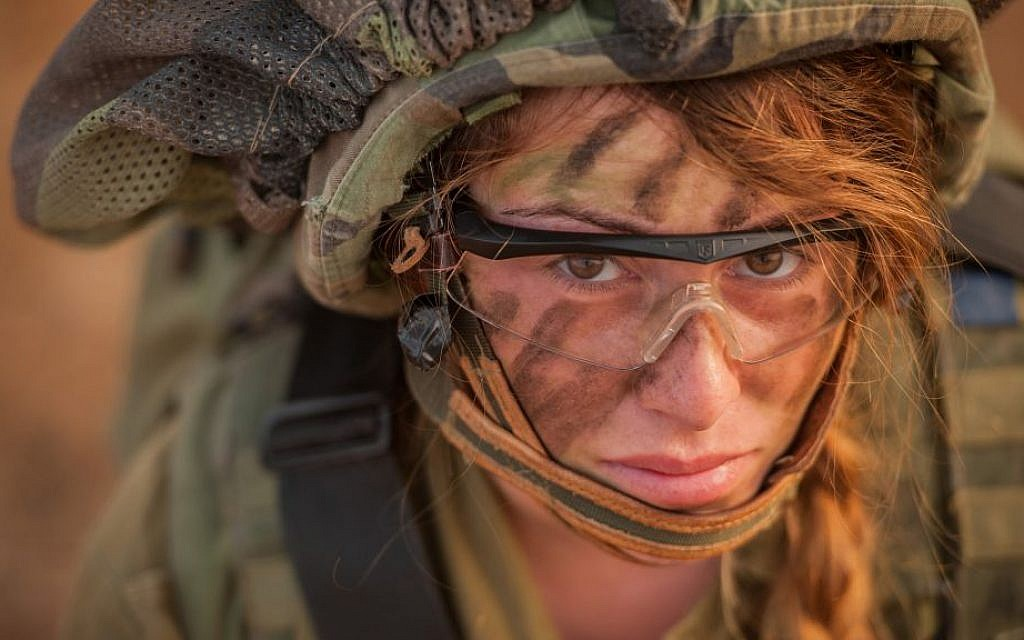 A soldier from the Lions of the Jordan Battalion participates in an exercise on June 8, 2015. (IDF Spokesperson's Unit/Flickr)