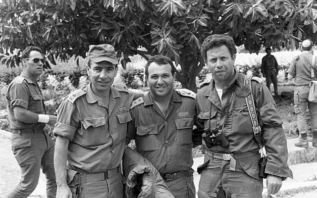 Meir Dagan, center, in Lebanon shortly after Israel invaded in June 1982. (Courtesy: Bamahane/IDF archive)