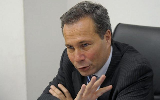 Argentina's Public Prosecutor Alberto Nisman gives a news conference in Buenos Aires, May 20, 2009. (JUAN MABROMATA/AFP/Getty Images)