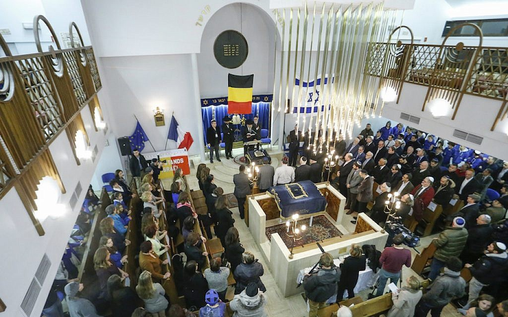 A tribute ceremony in the Maale synagogue in Brussels days after the attacks on the Charlie Hebdo newspaper and the Hyper Cacher kosher market, Jan. 14, 2015. (Thierry Roge/AFP/Getty Images via JTA)