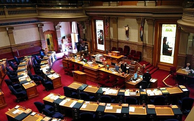 The chamber of the Colorado state Senate. (CC BY 2.5 Greg O'Beirne/Wikipedia)