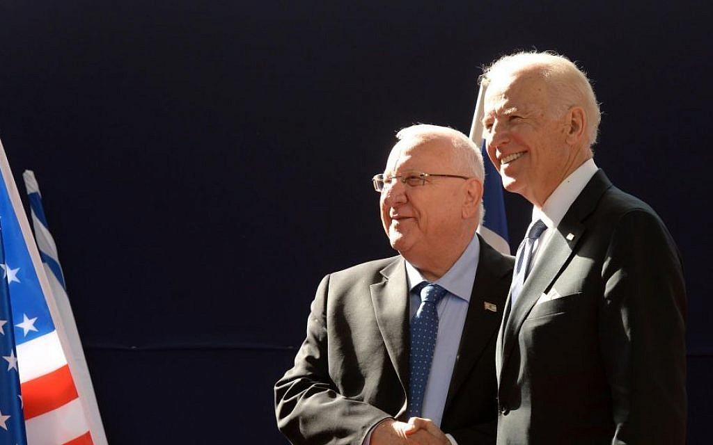 US Vice President Joe Biden and President Reuven Rivlin meet at the President's Residence in Jerusalem, March 9, 2016. (Mark Neyman/GPO)