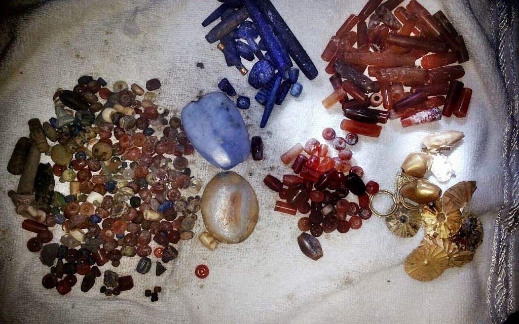 Gems looted from archaeological sites in Deir el-Zour and displayed for sale by the Islamic State group in Syria, July 6, 2015. (The Day After Heritage Initiative via AP)