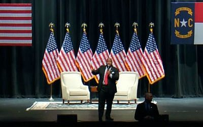 Pastor Mark Burns speaks at a Donald Trump rally in Hickory, North Carolina, Monday, March 14, 2016. (Screen capture YouTube)