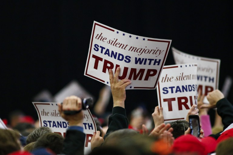 Supporters cheer as US Republican presidential candidate Donald Trump addresses a rally in Bethpage, Long Island, New York on April 6, 2016. (AFP PHOTO/KENA BETANCUR)