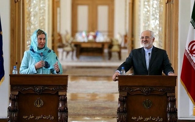 Iran's Foreign Minister Mohammad Javad Zarif, right, and European Union High Representative for Foreign Affairs, Federica Mogherini, give a joint press conference after a meeting on April 16, 2016 in Tehran, Iran. (AFP/Atta Kenare)