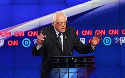 Democratic Presidential candidate Sen. Bernie Sanders (D-VT) debates Hillary Clinton during the CNN Democratic Presidential Primary Debate at the Duggal Greenhouse in the Brooklyn Navy Yard on April 14, 2016 in New York City. (Justin Sullivan/Getty Images/AFP)