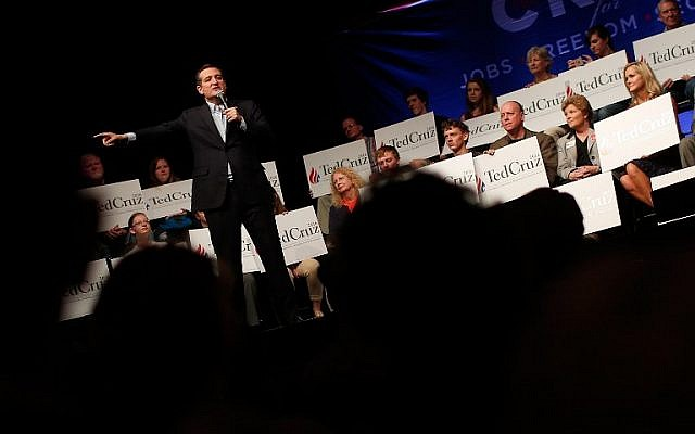 Republican presidential candidate Sen. Ted Cruz campaigns at the Weinberg Theater April 21, 2016 in Frederick, Maryland. (Win McNamee/Getty Images/AFP)