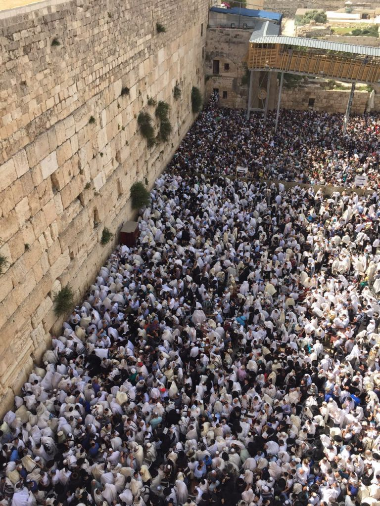 Tens of thousands of Jews at the Western Wall for the priestly blessing ceremony on April 25, 2016. (Police Spokesperson)
