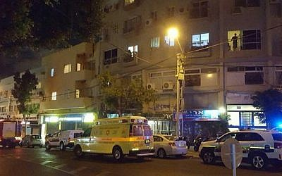 The home on Tel Aviv's Herzl Street where an elderly woman was killed during a violent argument with her daughter on the evening of Apri 29, 2016. (Courtesy Magen David Adom)