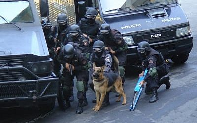 Illustrative photo of Brazil's BOPE forces (Special Police Operations Battalion) during a police raid  (CC-BY, Diário de um PM/Wikimedia)