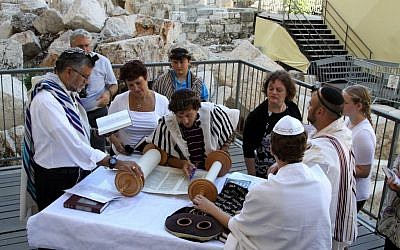 Prayer services at the pluralistic prayer pavilion at the Western Wall, on July 17, 2014. (Gershon Elinson/Flash90)