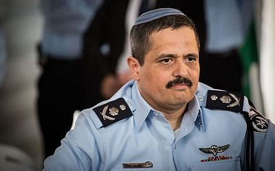 Chief of Police Roni Alsheich at the welcoming ceremony held in his honor, at the National Police Headquarters in Jerusalem, on December 03, 2015. (Hadas Parush/FLASH90)